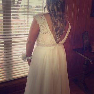 Sherri Hill white prom dress